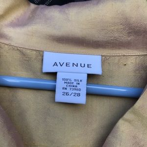 Avenue 26/28 never worn gold blouse